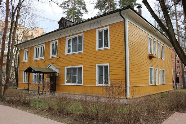 Полностью деревянный многоквартирный дом